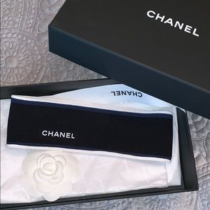 Chanel headband as seen on Tammy Hembrow! LIKE NEW